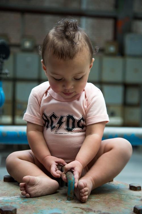 AC/DC Baby Body Logo Pink foto-shooting